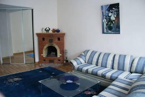 Сдается 4-комнатная квартира посуточнов Санкт-Петербурге, Фурштатская ул.35.