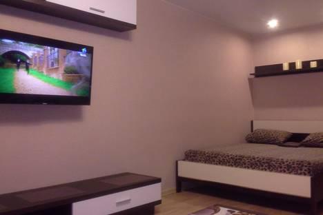 Сдается 1-комнатная квартира посуточно в Кирове, ул. Карла Либкнехта, 3.
