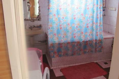 Сдается 2-комнатная квартира посуточнов Армавире, Халтурина 41.