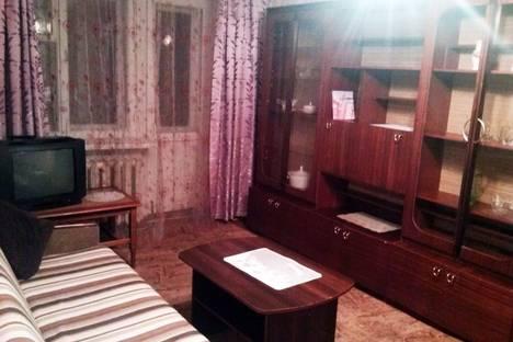 Сдается 2-комнатная квартира посуточно в Глазове, ул.Парковая, 6.