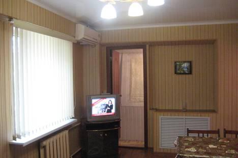 Сдается 2-комнатная квартира посуточно в Астрахани, савушкина 12.