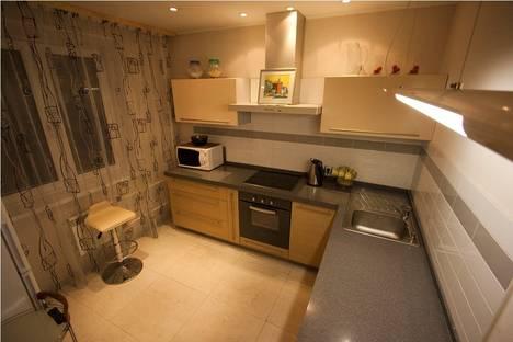 Сдается 4-комнатная квартира посуточно в Красноярске, Робеспьера 2б.