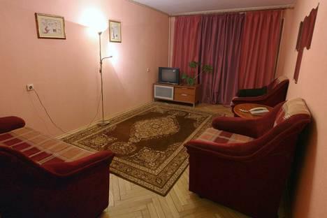 Сдается 1-комнатная квартира посуточнов Санкт-Петербурге, ул. Беринга, д. 36.