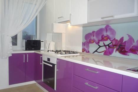 Сдается 2-комнатная квартира посуточно в Костроме, ул.Советская, 101.