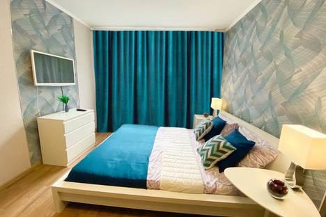 Сдается 1-комнатная квартира посуточно в Омске, бульвар Победы, 4.