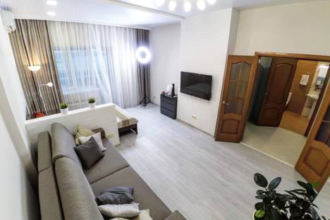 Сдается 1-комнатная квартира посуточно в Казани, улица Сибгата Хакима, 17.
