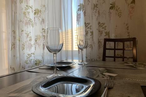 Сдается 2-комнатная квартира посуточно в Калининграде, Артиллерийская улица, 56.