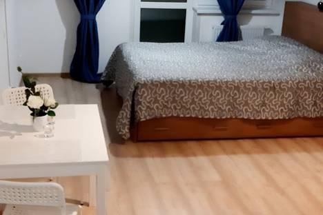 Сдается 1-комнатная квартира посуточно в Екатеринбурге, проспект Академика Сахарова, 73.