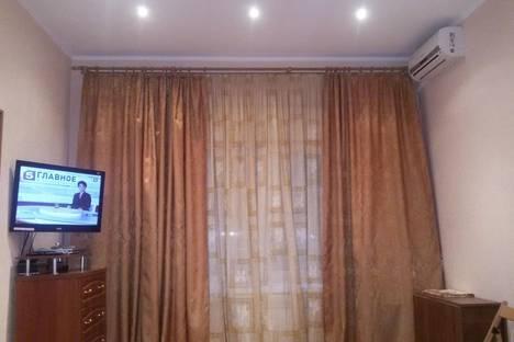 Сдается 1-комнатная квартира посуточно в Таганроге, ул. Петровская, 29\1.