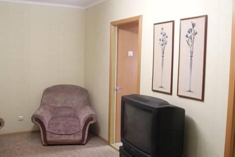 Сдается 2-комнатная квартира посуточнов Омске, Труда 21.