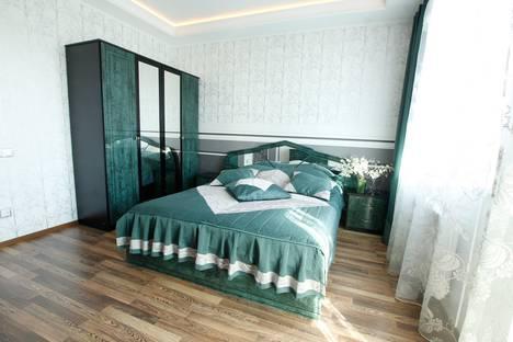 Сдается 2-комнатная квартира посуточнов Ломоносове, Ленинский пр.д.114.