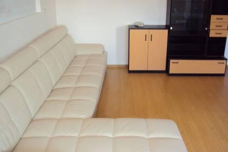 Сдается 2-комнатная квартира посуточно в Хабаровске, Амурский бульвар 54.