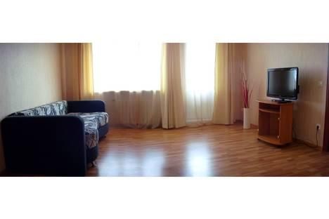 Сдается 3-комнатная квартира посуточнов Санкт-Петербурге, ул. Симонова 7К1.