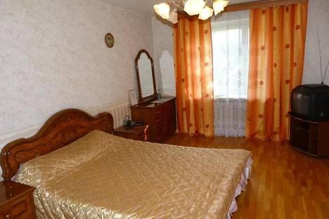 Сдается 2-комнатная квартира посуточнов Санкт-Петербурге, 16-я линия Васильевского  Острова, д. 23.