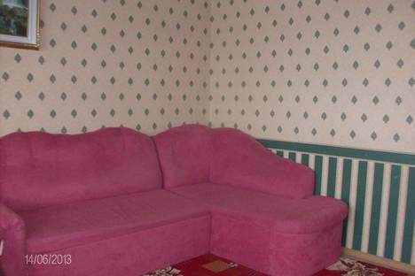 Сдается 3-комнатная квартира посуточно в Кургане, Бульвар Солнечный,10.