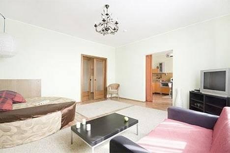 Сдается 2-комнатная квартира посуточнов Екатеринбурге, Ленина 48.