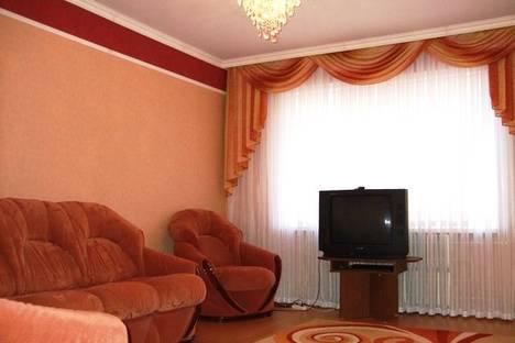 Сдается 3-комнатная квартира посуточно в Брянске, 3-го Интернационала, 9.
