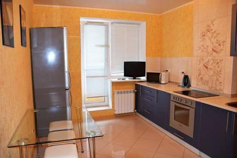 Сдается 2-комнатная квартира посуточно в Брянске, Красноармейская, д. 100.