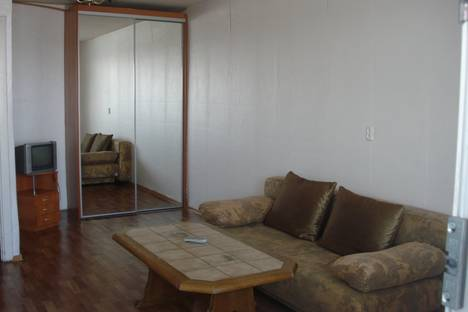 Сдается 1-комнатная квартира посуточнов Кургане, Бурова-петрова 1.