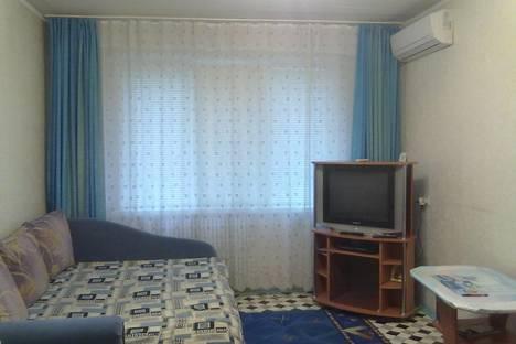 Сдается 2-комнатная квартира посуточно в Волжском, ул. Мира, 102.