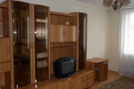 Сдается 2-комнатная квартира посуточнов Гатчине, улица Карла Маркса, 43.