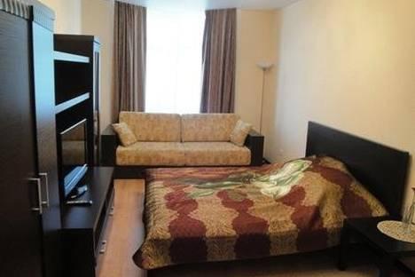 Сдается 1-комнатная квартира посуточно в Гатчине, Рощинская улица, 1/1.