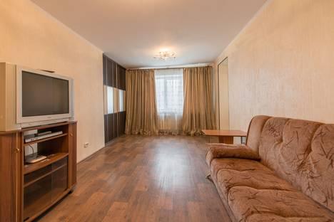 Сдается 2-комнатная квартира посуточно в Кемерове, Шахтеров проспект, д. 101а.