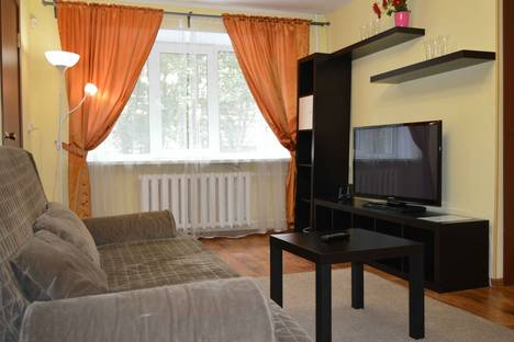 Сдается 2-комнатная квартира посуточнов Североморске, Володарского 2а.