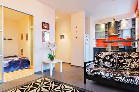 Сдается 1-комнатная квартира посуточно в Ростове-на-Дону, Красноармейская 222.