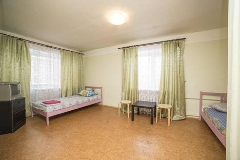 Сдается 1-комнатная квартира посуточнов Екатеринбурге, ул.Уктусская,33.