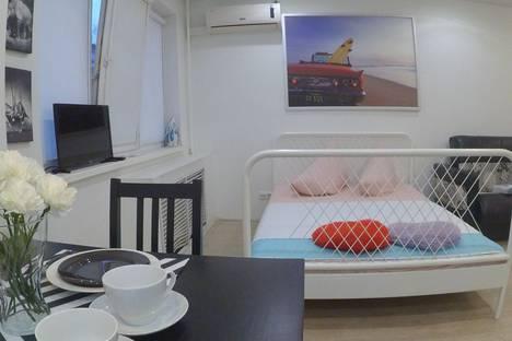 Сдается 1-комнатная квартира посуточно в Омске, Масленникова 9Б.