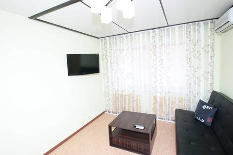 Сдается 1-комнатная квартира посуточнов Волгограде, ул. Козловская, 33/1.