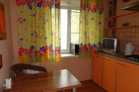 Сдается 1-комнатная квартира посуточно в Саратове, улица Большая Казачья, 116А.