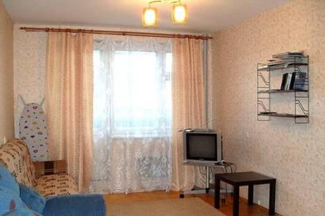 Сдается 1-комнатная квартира посуточнов Екатеринбурге, Родонитовая 22 кв.2.