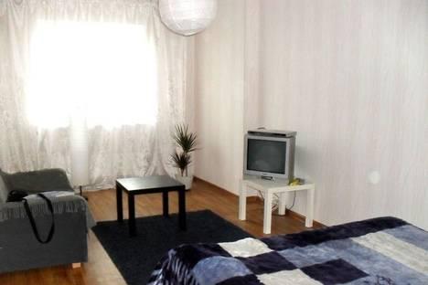 Сдается 1-комнатная квартира посуточно в Гатчине, улица Хохлова, 16.