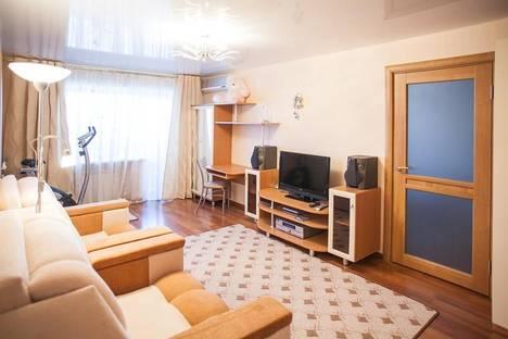 Сдается 2-комнатная квартира посуточно в Хабаровске, Амурский Бульвар 12.