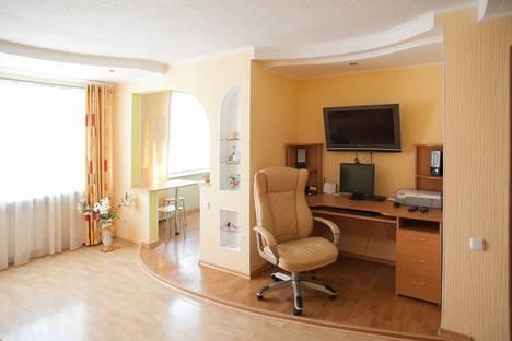 Сдается 1-комнатная квартира посуточно в Хабаровске, Уссурийский Бульвар 4.