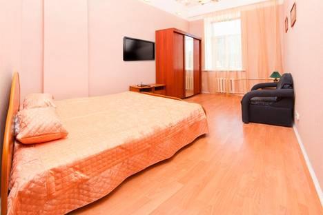 Сдается 1-комнатная квартира посуточнов Санкт-Петербурге, Б. Конюшенная 2.