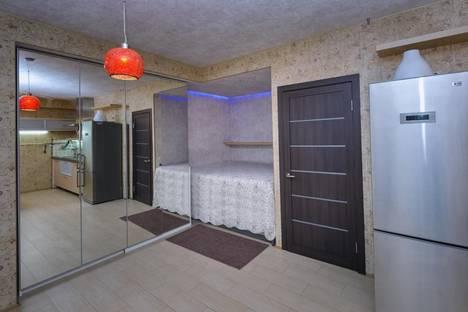 Сдается 1-комнатная квартира посуточно в Омске, Звездова, 62/4.
