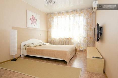 Сдается 1-комнатная квартира посуточнов Казани, Проспект  Ямашева д. 54.