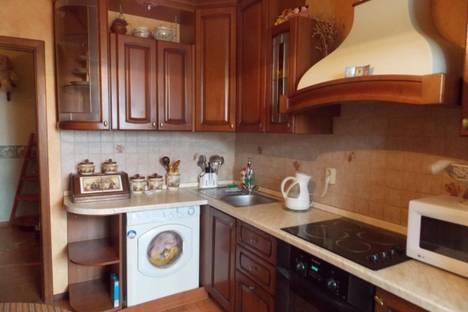 Сдается 1-комнатная квартира посуточнов Волжском Утёсе, улица Механизаторов 5б.