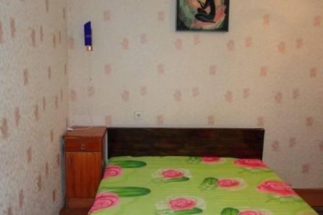Сдается 1-комнатная квартира посуточнов Мурманске, Карла Маркса, 35.