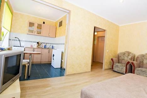 Сдается 2-комнатная квартира посуточно в Омске, Маркса 10А.