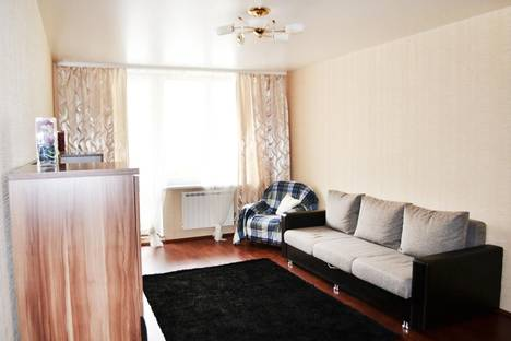 Сдается 1-комнатная квартира посуточнов Берёзовском, Радищева 33.