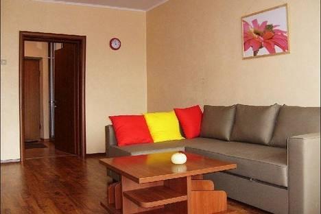 Сдается 1-комнатная квартира посуточно в Братске, Холоднова улица, д. 5.