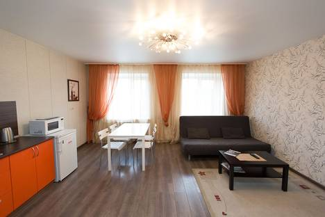 Сдается 3-комнатная квартира посуточно в Томске, ул. Гоголя 15.