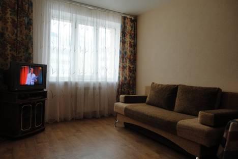 Сдается 1-комнатная квартира посуточно в Чебоксарах, ул. Строителей, 11.