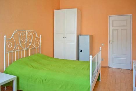 Сдается 4-комнатная квартира посуточнов Санкт-Петербурге, Поварской пер. 5.