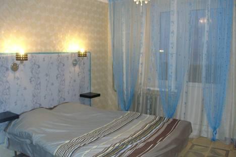 Сдается 2-комнатная квартира посуточно в Кирове, Энгельса 82/1.
