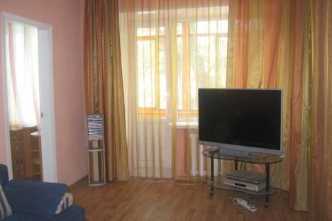 Сдается 2-комнатная квартира посуточно в Ульяновске, ефремова 137.